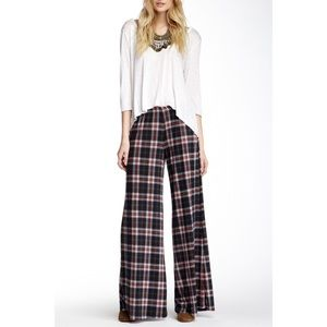 NWOT American Twist Printed Flare Pant Size S